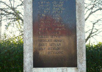 Kiscsehi világháborús emlékmű 2009.11.17. küldő-Sümec (4)