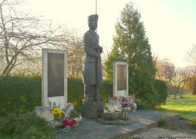 Kiscsehi világháborús emlékmű 2009.11.17. küldő-Sümec