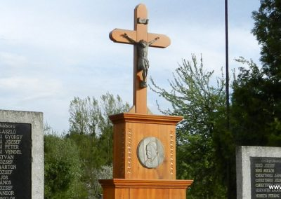 Kiscsehi világháborús emlékmű 2016.04.17. küldő-Huber Csabáné (2)