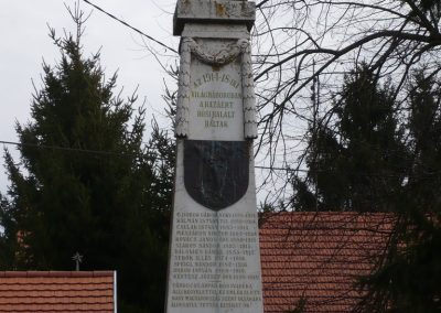 Kisdobsza világháborús emlékmű 2009.03.23.küldő-sümec (1)