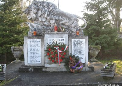 Kisgörbő világháborús emlékmű 2008.01.21.küldő-Márkus József (1)