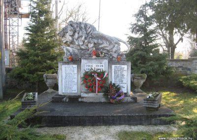 Kisgörbő világháborús emlékmű 2008.01.21.küldő-Márkus József