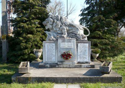 Kisgörbő világháborús emlékmű 2013.04.14. küldő-Sümec (1)