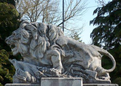 Kisgörbő világháborús emlékmű 2013.04.14. küldő-Sümec (2)