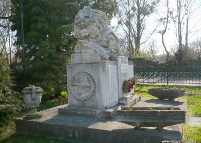 Kisgörbő világháborús emlékmű 2013.04.14. küldő-Sümec (9)