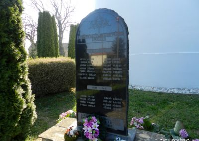 Kisgyalán világháborús emlékmű 2016.03.20. küldő-Huber Csabáné