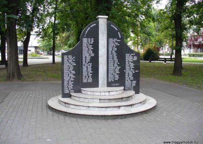 Kiskőrös II. világháborús emlékmű 2012.09.21. küldő-Ágca