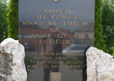Kiskanizsa világháborús emlékmű 2009.05.14.küldő-Sümec (4)