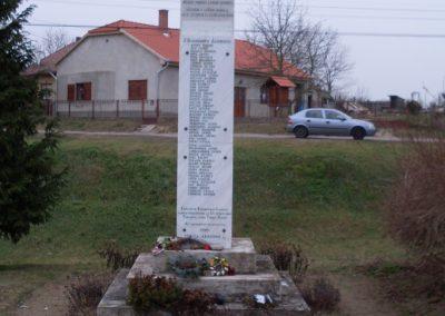 Kiskorpád világháborús emlékmű 2008.06.23.küldő-Nerr (2)
