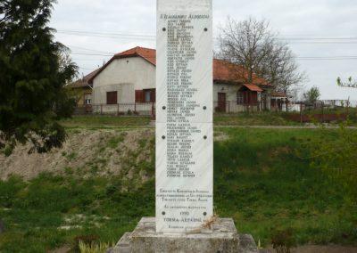 Kiskorpád világháborús emlékmű 2012.04.19. küldő-Sümec (7)
