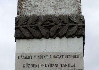 Kiskorpád világháborús emlékmű 2012.04.19. küldő-Sümec (8)