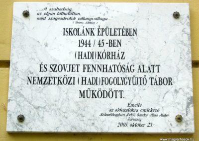 Kiskunfélegyháza Szent-Benedek Gimnázium II. világháborús emléktábla 2015.05.30. küldő-Emese (3)