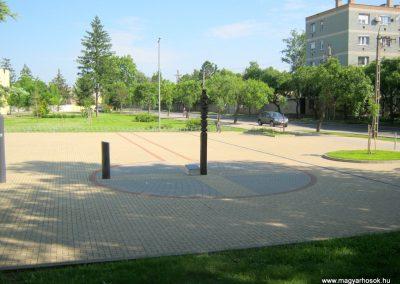 Kiskunfélegyháza világháborús kopjafa az öreglaktanya mögött 2015.05.30. küldő-Emese