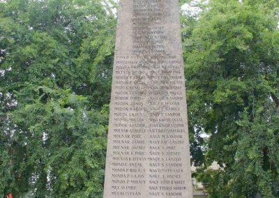 Kiskunhalas világháborús emlékmű 2007.08.21. küldő- Hunmi (11)
