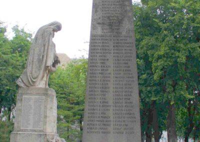 Kiskunhalas világháborús emlékmű 2007.08.21. küldő- Hunmi (7)