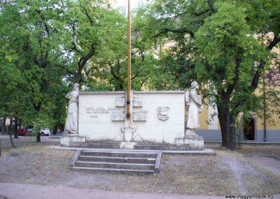 Kiskunmajsa I. világháborús emlékmű 2007.08.21. küldő-HunMi