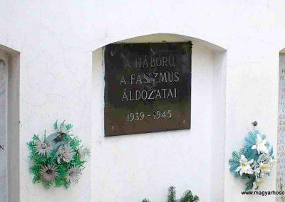 Kiskunmajsa II. világháborús emlékmű 2007.08.21.küldő-HunMi (2)
