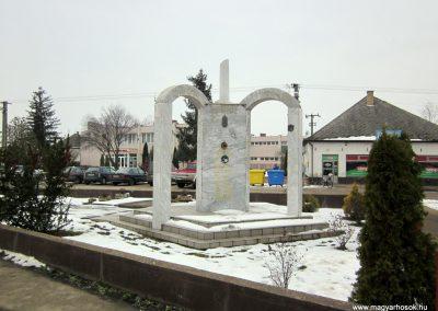 Kisléta II. világháborús emlékmű 2014.02.07. küldő-kalyhas (11)