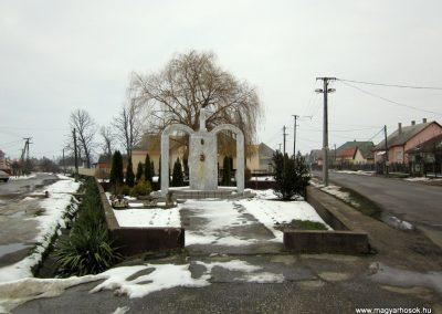 Kisléta II. világháborús emlékmű 2014.02.07. küldő-kalyhas