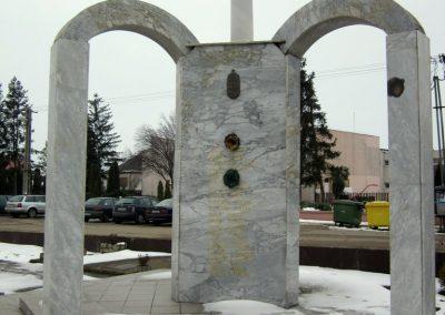 Kisléta II. világháborús emlékmű 2014.02.07. küldő-kalyhas (5)