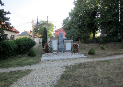 Kislőd világháborús emlékmű 2013.08.17. küldő-kalyhas (1)
