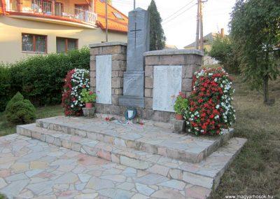 Kislőd világháborús emlékmű 2013.08.17. küldő-kalyhas (7)