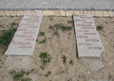 Kisnémedi temető I.vh emlékhely 2009.04.10.küldő-kalyhas (2)