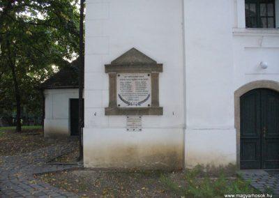 Kisoroszi I.vh emléktábla a ref.templom oldalán 2009.10.11. küldő-HunMi
