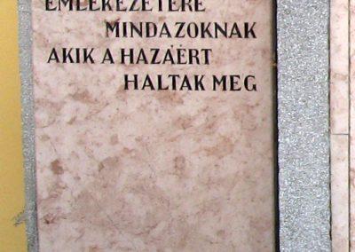 Kisoroszi világháborús emlékmű 2007.09.15. küldő-Kályhás (2)