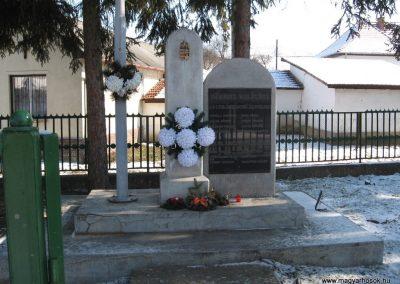 Kissikátor világháborús emlékmű 2010.03.08. küldő-kalyhas (1)