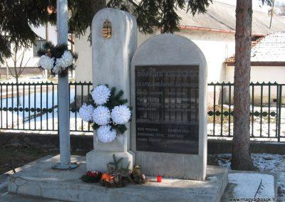 Kissikátor világháborús emlékmű 2010.03.08. küldő-kalyhas (2)