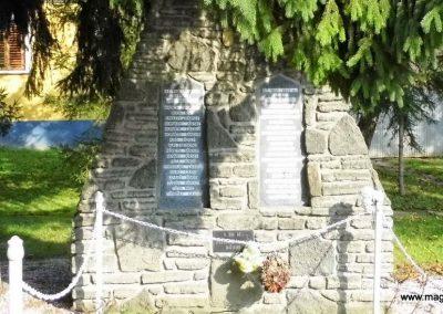 Kissomlyó világháborús emlékmű 2014.10.07. küldő-Méri (2)