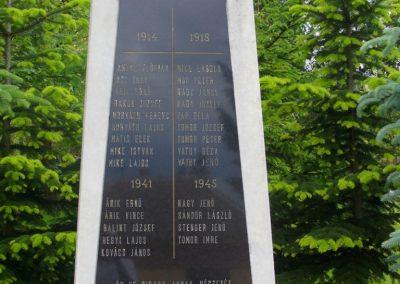 Kisszőlős világháborús emlékmű 2010.05.26. küldő-HunMi (1)
