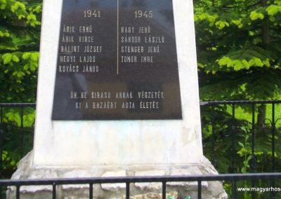 Kisszőlős világháborús emlékmű 2010.05.26. küldő-HunMi (3)