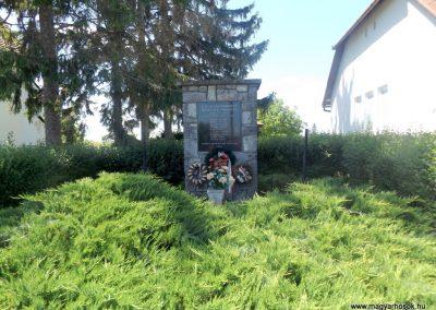 Kisszekeres II. világháborús emlékmű 2017.05.28. küldő-kalyhas (1)