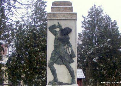 Kistarcsa világháborús emlékmű 2012.12.26. küldő-Méri (1)