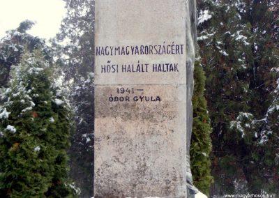 Kistarcsa világháborús emlékmű 2012.12.26. küldő-Méri (4)