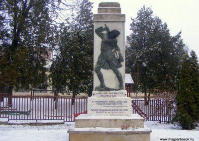 Kistarcsa világháborús emlékmű 2012.12.26. küldő-Méri
