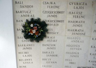 Kistelek II.világháborús emlékmű 2013.07.15. küldő-Sümec (10)