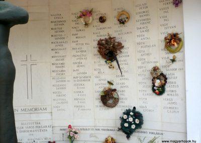 Kistelek II.világháborús emlékmű 2013.07.15. küldő-Sümec (17)