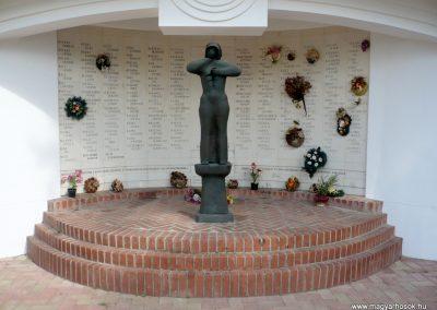 Kistelek II.világháborús emlékmű 2013.07.15. küldő-Sümec (2)