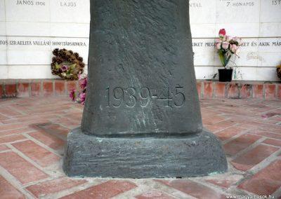 Kistelek II.világháborús emlékmű 2013.07.15. küldő-Sümec (4)