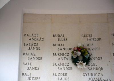 Kistelek II.világháborús emlékmű 2013.07.15. küldő-Sümec (9)
