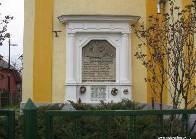 Kistokaj világháborús emléktáblák 2008.04.05. küldő-Kályhás