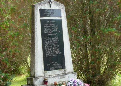 Kistolmács világháborús emlékmű 2009.05.23.küldő-Ágca (1)