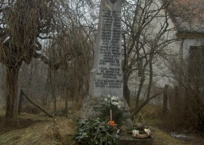 Kisunyom világháborús emlékművek 2009.01.10.küldő-gyurkusz (5)