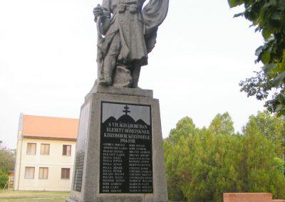 Kiszombor I. világháborús emlékmű 2012.09.06. küldő-Erika 67 (6)