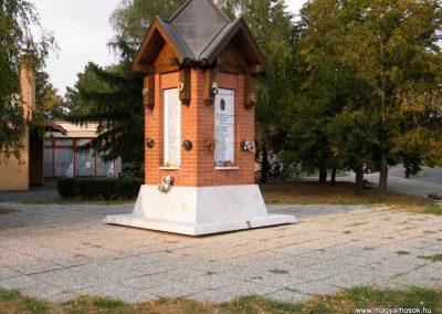 Kiszombor II. világháborús emlékmű 2012.09.06. küldő-Erika 67