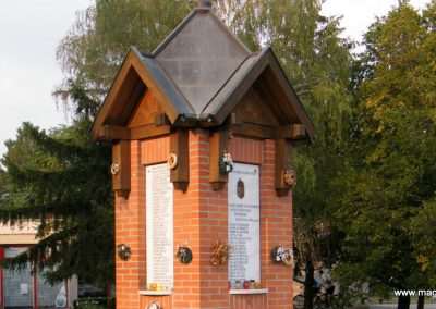 Kiszombor II. világháborús emlékmű 2012.09.06. küldő-Erika 67 (5)