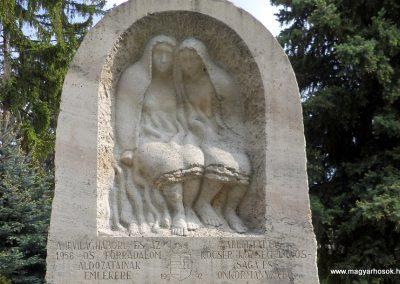 Kocsér II. világháborús emlékmű 2014.05.03. küldő-belamiki (1)